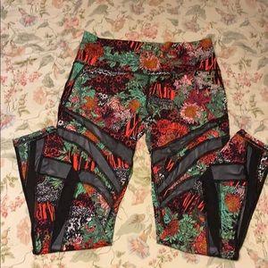 Wunder Under 7/8 leggings size 12